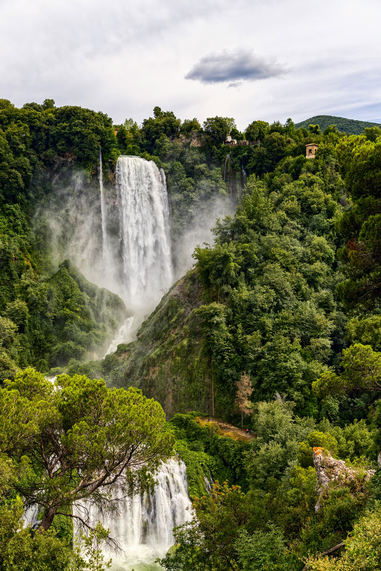 the-waterfall-marmore-4587240_1920